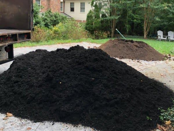 black_mulch_and_top_soil