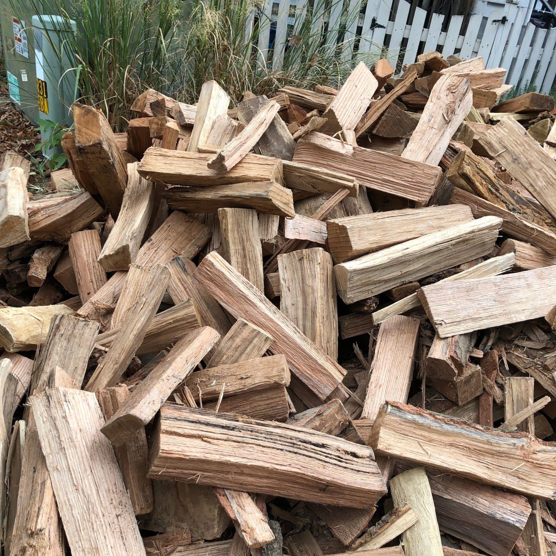 unstacked_pile_of_kiln_dried_oak